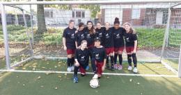 Mädchen-Fußball-Team 2015